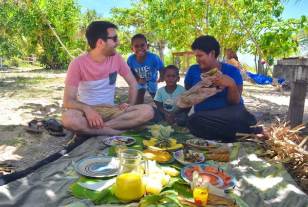 Fiji-village-visit