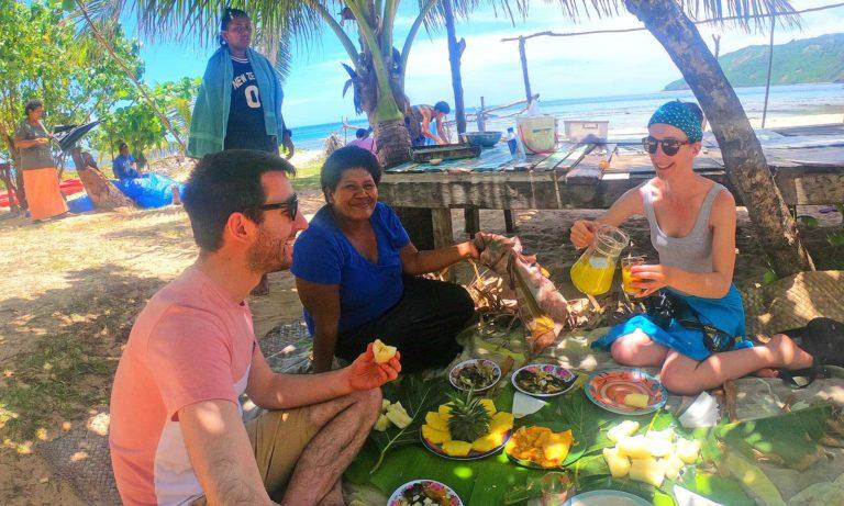 Fiji-cultural-experience-village