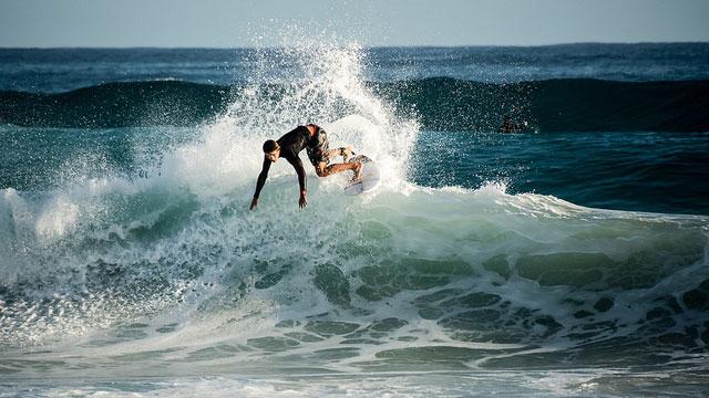 best-season-to-surf-in-fiji