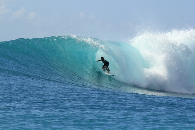 best time to surf in fiji