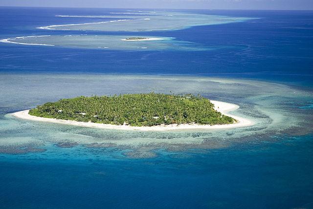 surf spots mamanuca islands