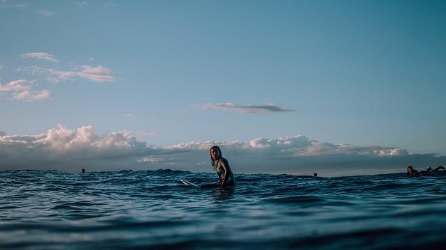 surf in fiji mamanuca islands