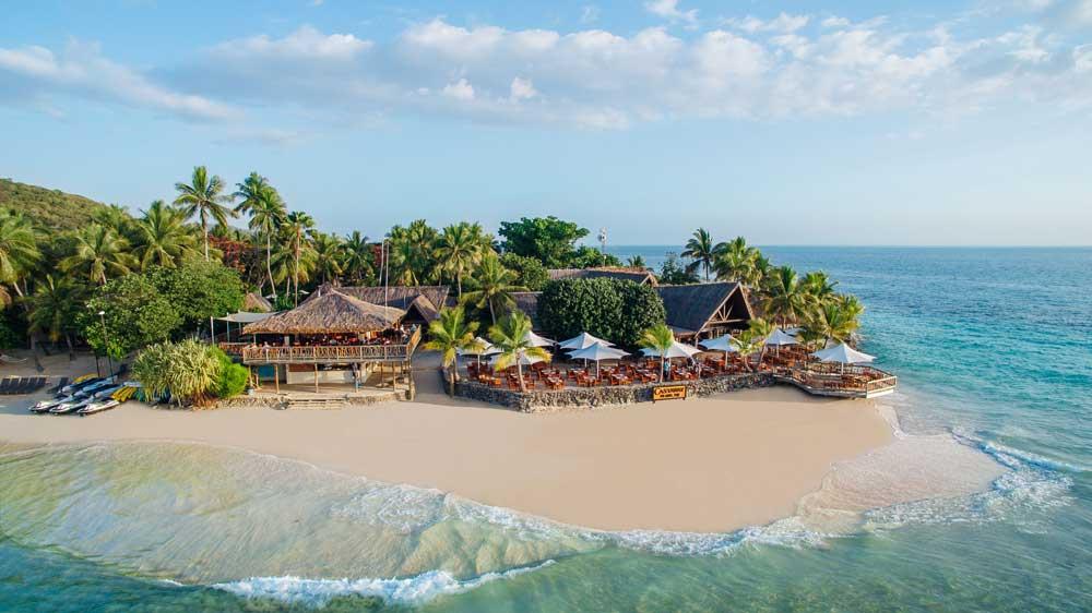 fiji surf resorts mamanuca islands