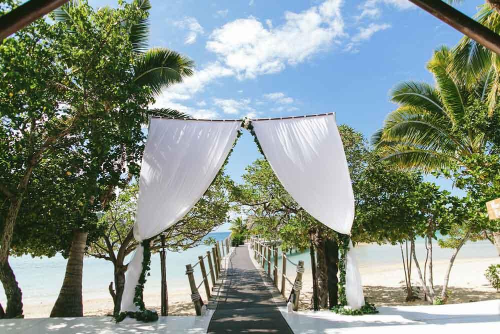 -wedding-honeymoon-fiji-mamanuca-islands