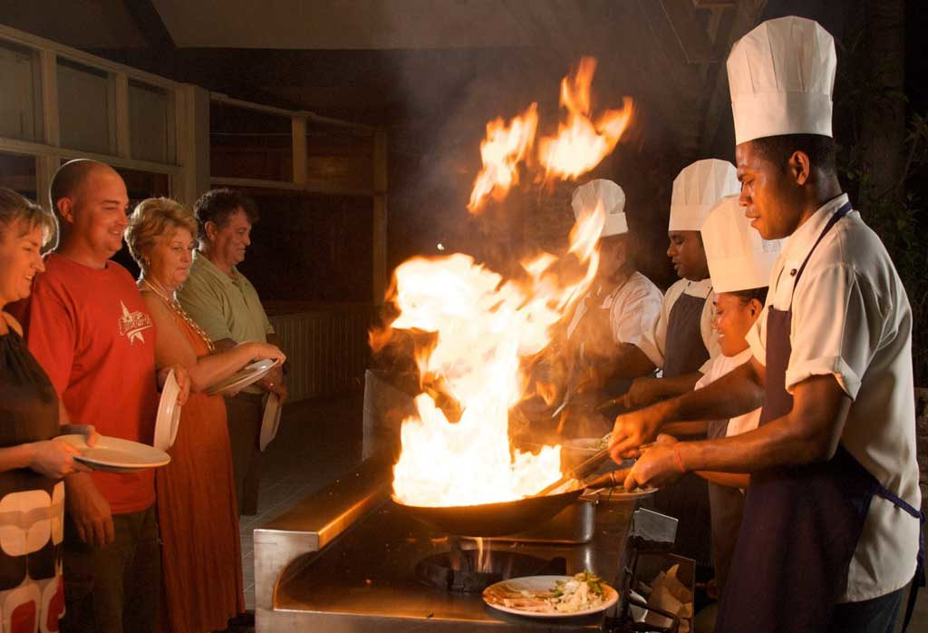 -food-resorts-in-the-mamanuca-islands