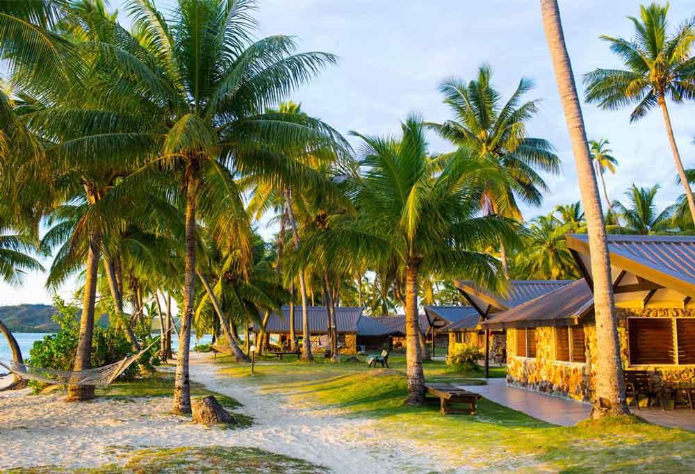surf resorts fiji mamanucas