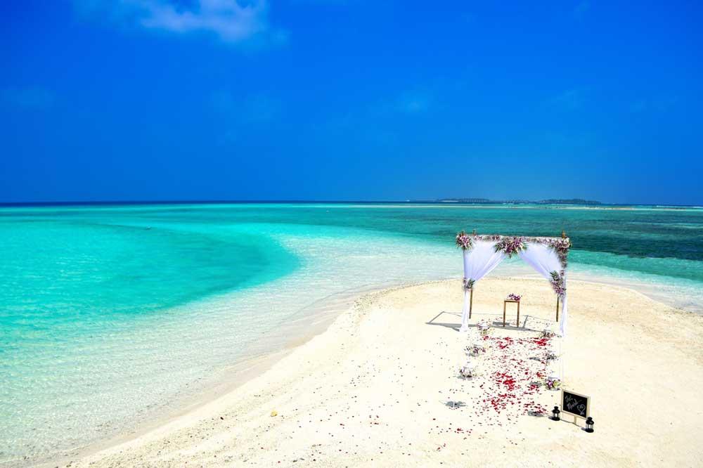 -wedding-&-honeymoon-resorts-in-the-mamanuca-islands