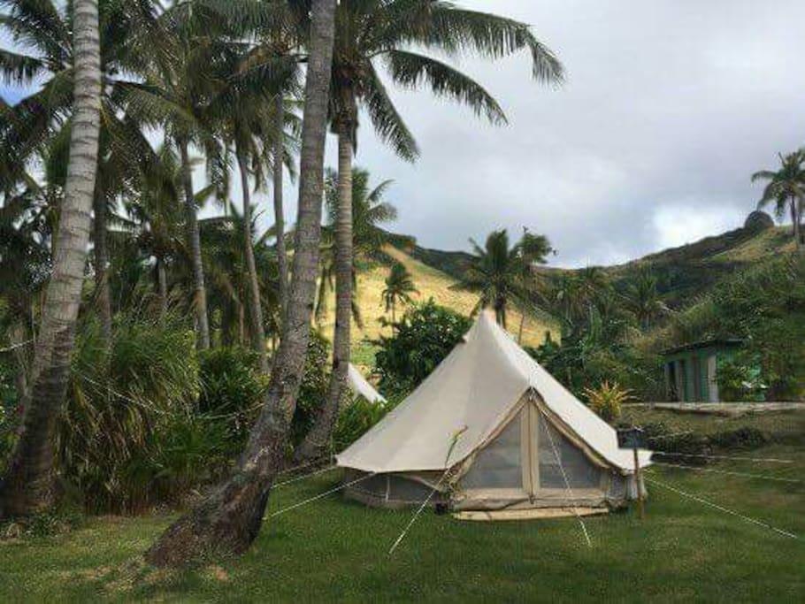 fiji yasawa islands homestays budget