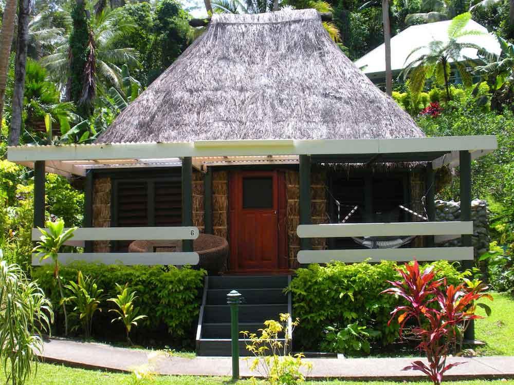 honeymoon-and-wedding-resorts-coral-coast