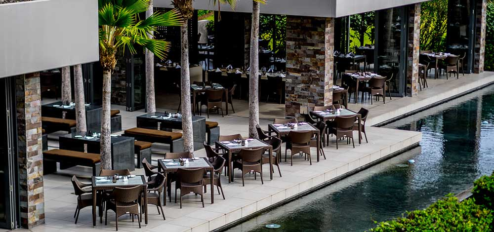 accommodation-foodies-coral-coast-restaurant