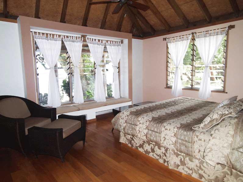 -wedding-honeymoon-accommodation-on-the-pacific-harbour-beqa-island
