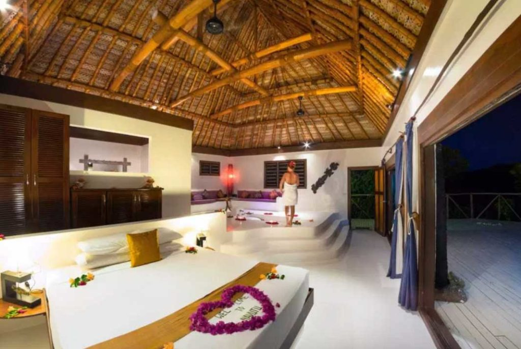 -adult-only-resorts-in-the-yasawa-islands
