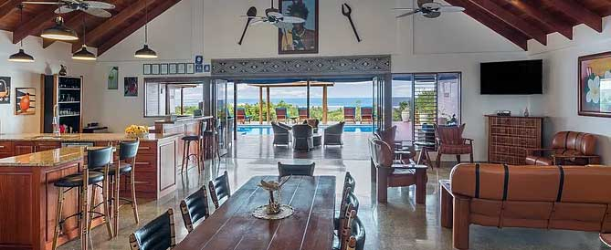 coral-coast-accommodation-foodies