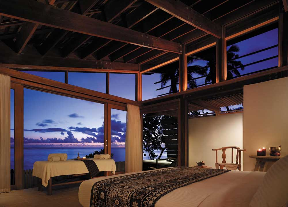 -luxury-resorts-on-the-coral-coast