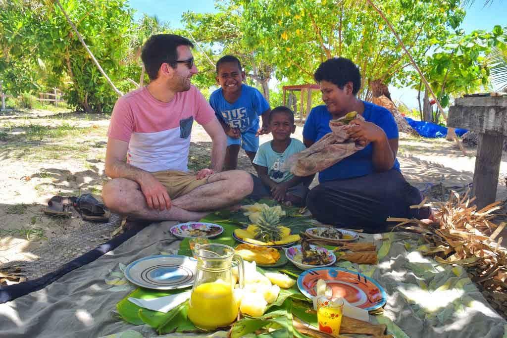 family-friendly homestays in the yasawa islands