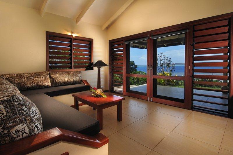 resorts with restaurant suncoast
