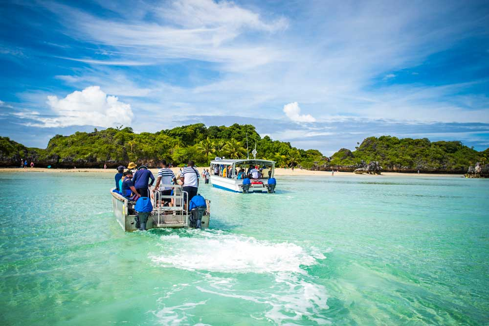 complete-guide-to-the-lau-islands-Credit-Captain-Cook-Cruises