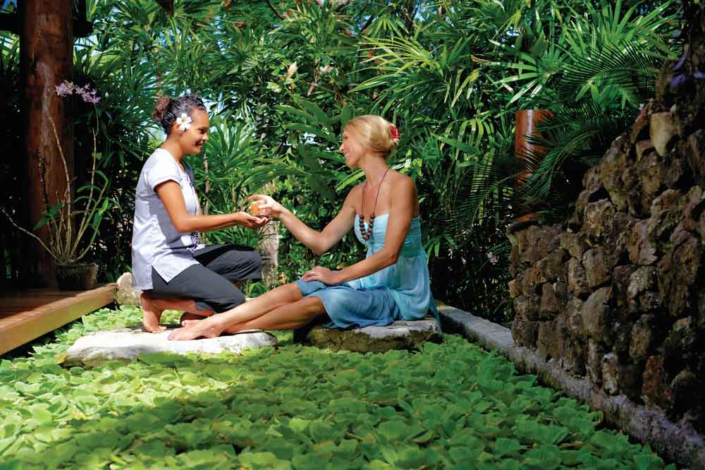 fiji-7-days-luxury-itinerary-culture nature Credit-Mark-Snyder