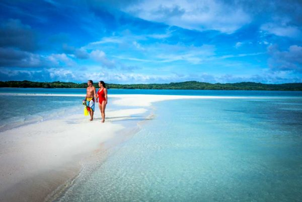 fiji-adult-only itinerary-7-days island hopping-Credit-Captain-Cook-Cruises