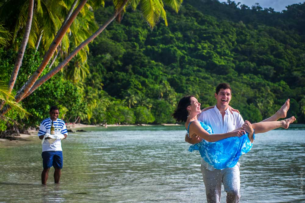 fiji-honeymoon-5-days-itinerary-Credit-Captain-Cook-Cruises