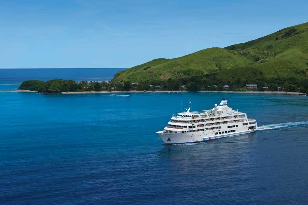 luxury activities-lau-islands-Credit-Captain-Cook-Cruises