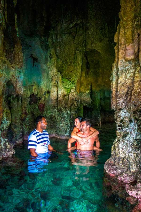 must dos-lau-islands-Credit-Captain-Cook-Cruises (2)