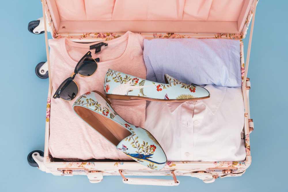 packing for Fiji Credit-Arnel-Hasanovic-on-Unsplash