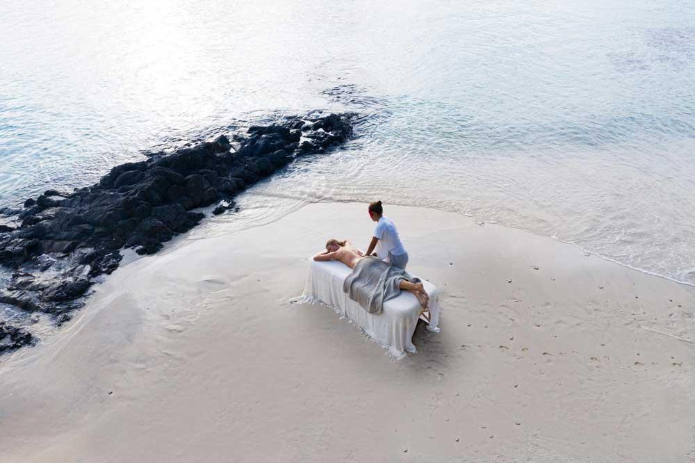 romantic-things-to-do-couples-kadavu-Credit-Kokomo-Private-Island-Fiji