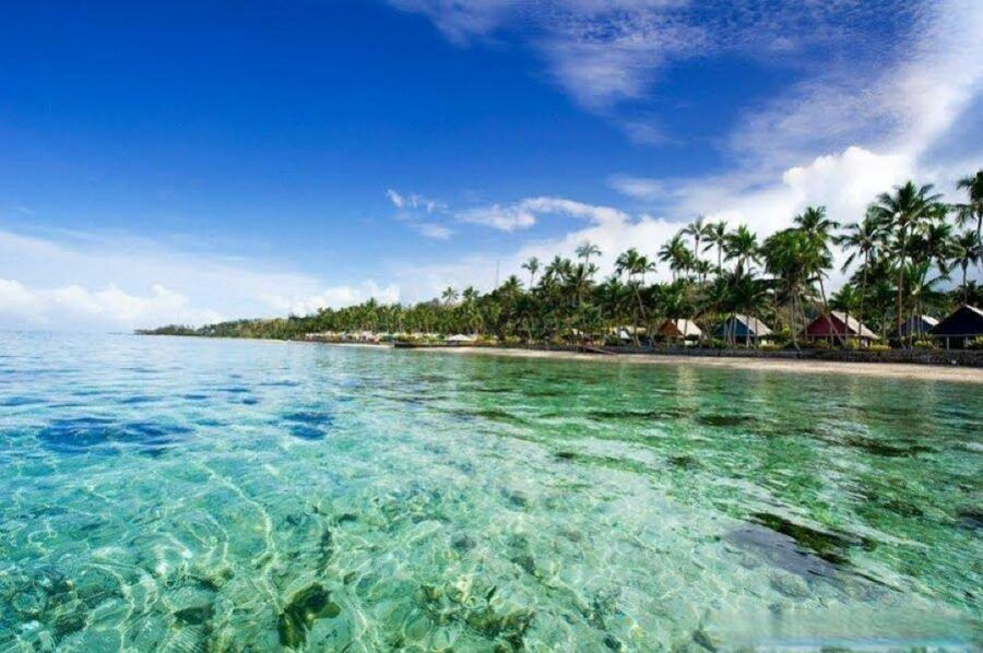 10 Best Resorts in Fiji with Glass-Bottom Boats