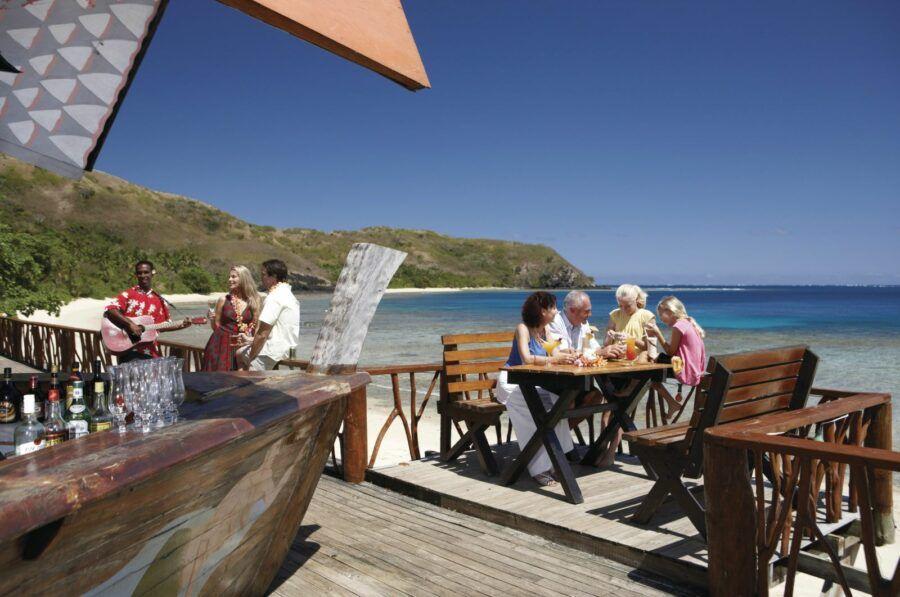 5 Resorts in Fiji Where Kids Eat for Free